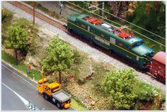 Locomotora eléctrica 277 RENFE. Escala H0.