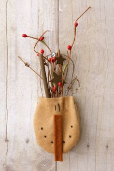 Primitive Christmas Decorating ~ Snowman Head Pocket with Twigs and Berries ~ Fine Country Living Primitives