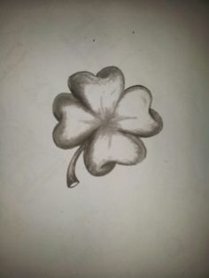 4 leaf clover to honor his mom.