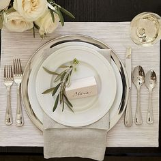 White dinnerware on pinterest dinnerware sets white for Plain white plates ikea