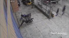 Rata se acaba de robar una moto, la moto es una platino azul de placas N...