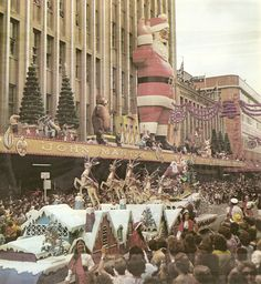 Adelaide in 1974. John Martin Christmas pageant later taken over by David Jones, and redeveloped. They still put the giant Santa on the DJ's store.