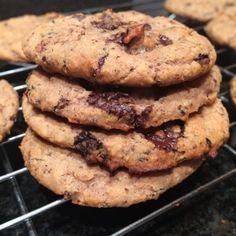 Betty Rocker, white bean, flourless, sugarless dark choco chip cookies