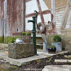 Schwengelpumpe, Gartendeko mit Zink, Zinkkannen, Zinkgießkanne, Brunnen