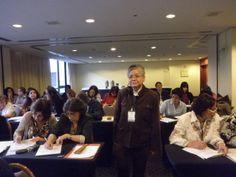 Fotografia de la ponente por la excelente participación por parte de los asistentes.