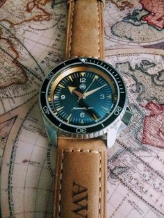 Buying The Right Type Of Mens Watches - Best Fashion Tips Modern Watches, Luxury Watches, Vintage Watches, Amazing Watches, Cool Watches, Watches For Men, Seiko Skx, Seiko Watches, Expensive Watches
