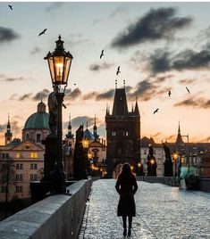 Which is your favourite view of Charles Bridge? 5 or ~ Prague, Cz. - Best Places to Visit X Voyager Malin, Pont Charles, Places To Travel, Places To Visit, Travel Destinations, Prague Photos, Couple Travel, Prague Travel, Prague Czech Republic