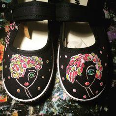 Zapatos pintados a mano por ensaïmadadecolor