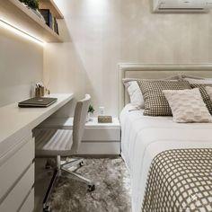 home decor bedroom armoire Tiny Bedroom Design, Small Room Design, Small Room Bedroom, Room Ideas Bedroom, Home Room Design, Home Decor Bedroom, Minimalist Room, Stylish Bedroom, Bedroom Layouts