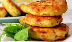 The whole family will love these delicious Bacon and Potato Fritters and they taste amazing! They're packed full of flavour and so easy to make. Recipe via 'Ooh-Look' Bacon and Potato Fritter Recipe Tuna Patties Recipe Zucchini Fritters Recipe Cheesy … Potato Fritters, Zucchini Fritters, Potato Recipes, Vegetable Recipes, Potato Meals, Savoury Recipes, Veggie Dishes, Side Dishes, Dress Patterns