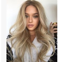 I don't think I could live with out my Infinium finishing spray light weight with hold @lorealproaus colour and texture Peter Thomsen @chelseahaircutters #behindthechair #blonde #blondehair #balayage #bighair #texture #blowout #smartbond  #loreal #lorealproaus #instahair #MRTHOMSEN