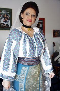 Romanian folk traditional clothing Part 2 – Romania Dacia Folk, Austro Hungarian, Traditional Dresses, Sari, Costumes, Clothes, Beautiful, Women, Amazing