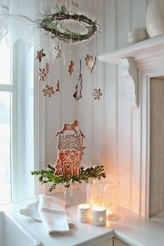 Vintage cottage Christmas decoration with gingerbread by VIBEKE DESIGN