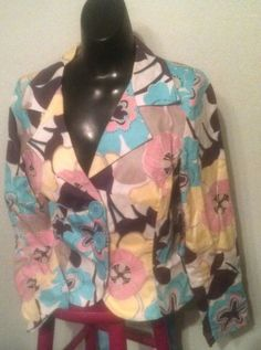 "Cute Ivy Jane Floral Jacket. Ivy Jane And Uncle Frank Always Have Such Fun Pieces. Great for Easter and Spring! Women's size Medium. Long Sleeves. NOTES : Comes From Smoke-Free Home. LENGTH : 23"" From Top Of Collar To Hem. 