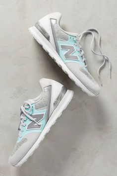New Balance WL696 Sneakers