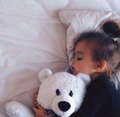 Babygirl Napping With Her Teddy Bear - Baby Photos Contest Cute Little Baby, Baby Kind, Little Babies, Baby Love, Cute Babies, Little Girls, Baby Baby, Kind Photo, Cute Baby Pictures