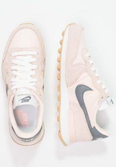 Nike Sportswear INTERNATIONALIST - Sneaker low - sunset tint/cool grey/summit white - Zalando.de