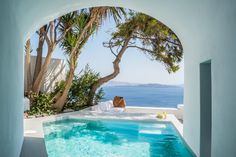 Live the experience of Santorini! Stay in Pina Caldera Residence!