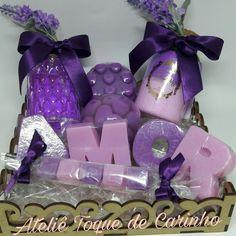 Kit de sabonetes, sais de banho e aromatizador personalizados com todo carinho para a pessoa que você Ama!