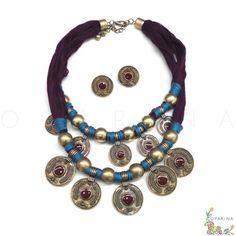 Collar de Monedas con Hilos Berenjena y Azul. #oparina #statementnecklace #collar #necklace#boldgols #blue #purple #boho #bohochic #glam #madewithstudio