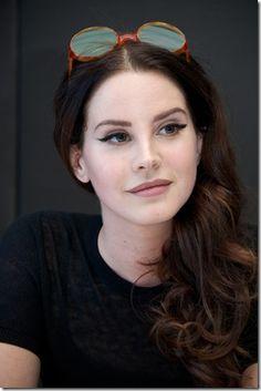 RS Notícias: Lana Del Rey, cantora, compositora, modelo fotográ...