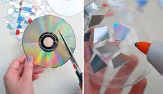 Renovar esferas navideñas con Cds reciclados - #AdornoDeNavidad, #DecorarConCd, #Dvd, #EsferaDeNavidad, #Manualidad, #Reciclaje, #ReciclarDvd  http://lanavidad.es/renovar-esferas-navidenas-con-cds-reciclados/2771