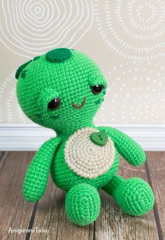 When people tell you that the little things in life matter the most, they are probably talking about little toys like this amigurumi turtle. You can make it with our Soft & Dreamy Turtle Amigurumi Pattern! Crochet Penguin, Crochet Turtle, Crochet Lion, Crochet Teddy, Cute Crochet, Crochet Animals, Crochet Baby, Crochet Patterns Amigurumi, Crochet Dolls