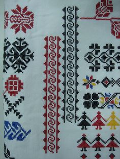 Palestinian Embroidery, Pin Pics, New Hobbies, Embroidery Stitches, Bohemian Rug, Cross Stitch, Traditional, Crochet, Romania