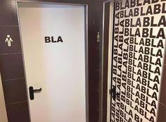 31 abgefahrene Toilettenschilder