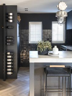 Kitchen Cabinet Layout, Ikea Kitchen Cabinets, Black Kitchens, Home Kitchens, Kitchen Themes, Kitchen Decor, Kitchen Gallery, Diy Countertops, Kitchen On A Budget