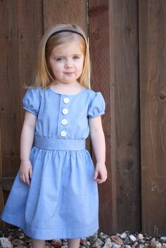 the Anna Dress: Tutorials Sewing Kids Clothes, Diy Clothes, Children Clothes, Kids Clothing, Clothing Patterns, Dress Patterns, Sewing Patterns, Little Girl Dresses, Girls Dresses