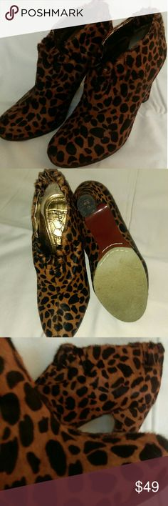 """Sam Edelman animal print ankle boot Great condition, barely and gently used. Heels support. 3.5"""" heels. Calf hair animal print. Chic. Elastic around ankle for adjustment. Not in original box. Sam Edelman Shoes Ankle Boots & Booties"""