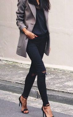 Heels with black ripped skinny jeans and grey jacket. #ripped-jeans #heels #street-fashion