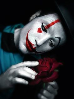 Photograph Ddiarte Ddiarte The Clown And The Rose on One Eyeland Es Der Clown, Le Clown, Clown Faces, Circus Clown, Creepy Clown, Pantomime, Mime Makeup, Halloween Face Makeup, Mime Face