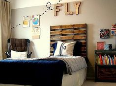pallet as headboard, boys room...use under Z and E's beds for reading nooks.