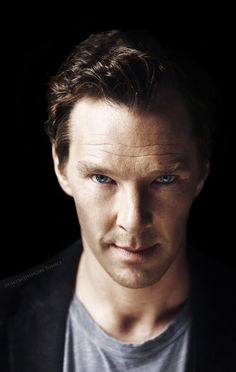 #BenedictCumberbatch  Benedict Cumberbatch(Sherlock), hello there handsome.. <3
