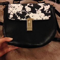 Design cross body bag Black bag! Used only one time! Like new Bags Crossbody Bags