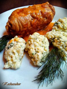 Koskacukor: Csornai töltött szelet Pork Recipes, Chicken Recipes, Cooking Recipes, Hungarian Recipes, Food 52, Winter Food, Tandoori Chicken, Yummy Cakes, Food And Drink