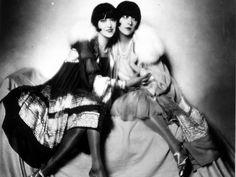 The Dolly Sisters: Twins Roszika (Rosie) and Janszieka (Jenny) Deutsch; Photo by Madame d'Ora Goldscheider, Roaring Twenties, The Twenties, Dolly Sisters, Twin Sisters, Ziegfeld Follies, Ziegfeld Girls, Star Wars, Vogue