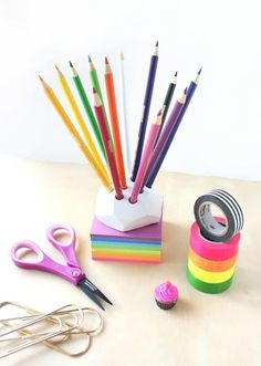 DIY pencil holder with air dry clay