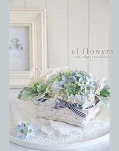 Simple Wedding Bouquets, Simple Weddings, Wedding Flowers, Front Garden Entrance, Blue Garden, Basket Decoration, Easter Wreaths, Handmade Flowers, My Flower