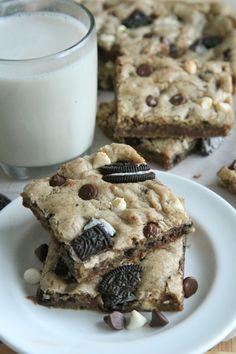 Cookies and Cream Oreo Blondies Recipe | Divas Can Cook