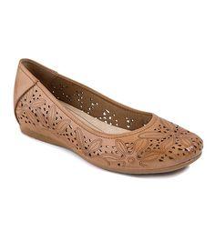 2a3e4a92 Discover the latest shoe trends from Footwear Unlimited brands including  Baretraps, Latigo, Andrew Geller