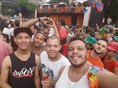 Mais amor... Bloco Quando come se lambuza.  #BH #Carna #Beagá #Carnaval  #CarnaBelo  #CarnavalizaBH #MeuCarnavaléEmBH