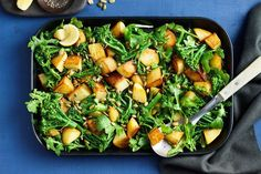 For the perfect side, try these crispy, crunchy roast potatoes served with broccolini, rocket and lemon. Broccoli Recipes, Lemon Recipes, Potato Recipes, Side Dish Recipes, Side Dishes, Power Salad, Midweek Meals, Crispy Potatoes, How To Cook Potatoes