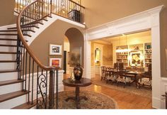Foyer Decorating Ideas For Modern Hallway Designs Foyer Staircase, Staircases, Curved Staircase, Foyer Decorating, Decorating Ideas, Decor Ideas, Diy Ideas, Flur Design, Modern Hallway