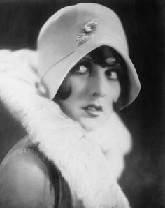 """Philippine """"Betty"""" Amann (March 1905 – August was a German-American film actress, born to American parents. She began her film career in the United States with the film The Kick-Off 1920s Hair, 1920s Flapper, Flapper Style, Flappers 1920s, Vintage Glamour, Vintage Beauty, Vintage Ladies, Vintage Style, Jazz"""