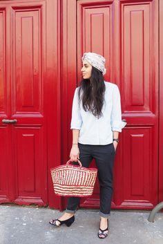 Chemise Idano, pantalon Reiko, panier et foulard Soeur, chaussures Anonymous