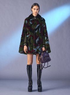 Versace PreFall 2017 Womenswear