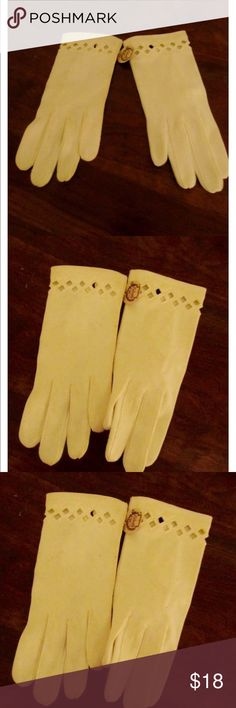 950's white cotton wrist gloves 50's white cotton wrist gloves with cutout triangles  Size 6 1/2  Never worn with tags  Excellent condition  Washable  Beautiful heavy weight cotton Vintage Accessories Gloves & Mittens